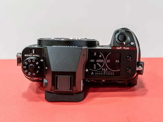 Fujifilm GFX 50S II vs GFX 50S - Head to Head Comparison