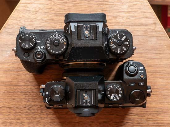 Fujifilm X-S10 vs X-T4 - Head to Head Comparison