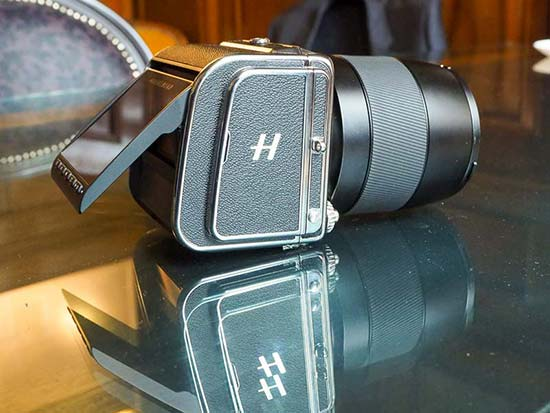 Hasselblad CFV II 50C and 907X